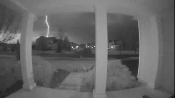This lightning strike will wake you up in the morning