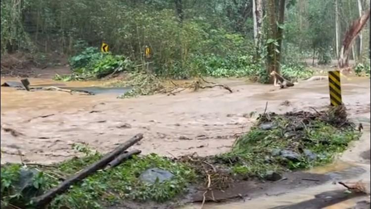 Severe flooding innundates Haiku