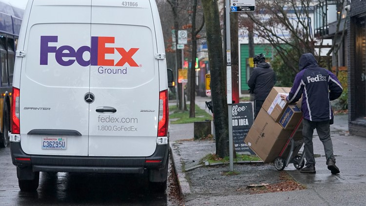 Retailers urge shoppers to buy early amid shipping crunch
