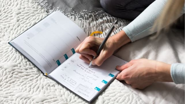 best-gifts-for-runners-2018-believe-training-journal.png