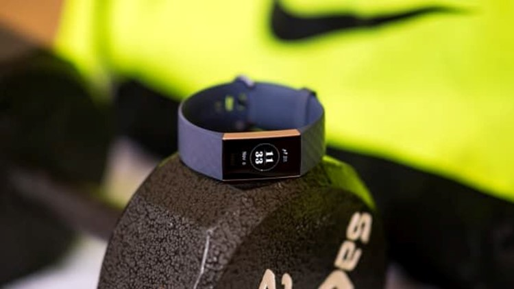 best-gifts-2018-fitbit-charge-3.jpg