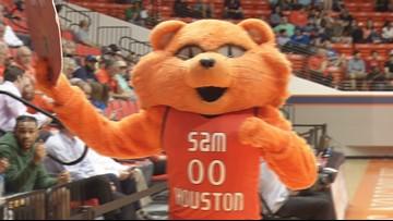 Lamar sweeps Sam Houston State in men's/women's double-header