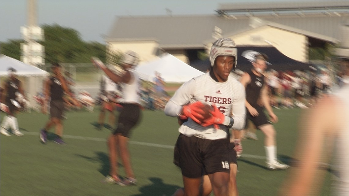 A&M Consolidated advances to 7-on-7 State Tournament