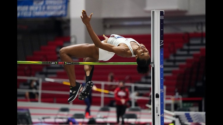 Gittens Places Second, Aggies Advance Three to Saturday's Finals