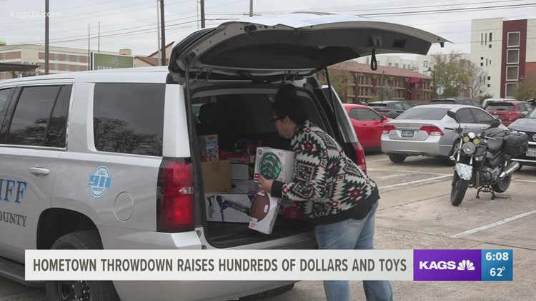 Bryan bars raise hundreds of dollars and collect toys for community