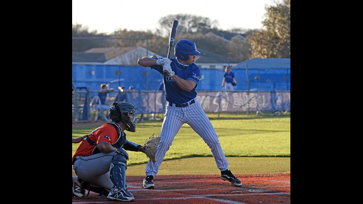 Blinn baseball upsets No. 14 McLennan, 4-1