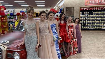'It's a Texas thang': Katy teens take prom pictures at Buc-ee's