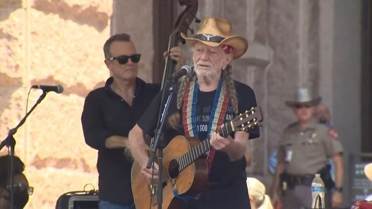 Willie Nelson performs at rally concluding voting rights march to Texas State Capitol