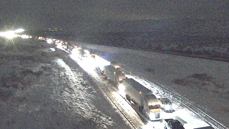 Hundreds of West Texans trapped on I-10 for 10-15 hours until New Year's Eve morning