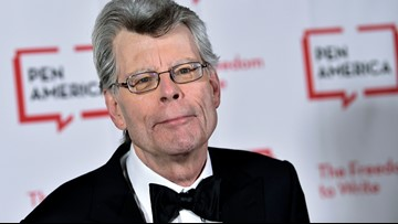 Stephen King, Don Winslow will donate $200K if White House holds press briefing