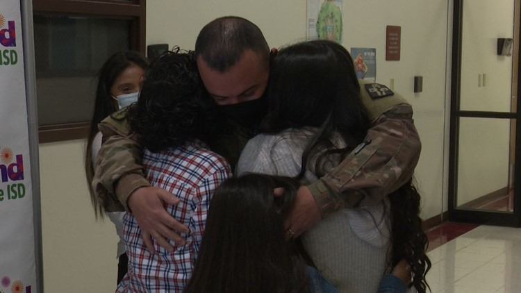 Army staff sergeant returns home to North Texas, surprises kids after 10-month assignment