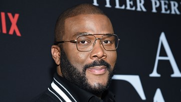 Tyler Perry pays for elderly shoppers' groceries at 29 Louisiana Winn-Dixie stores,